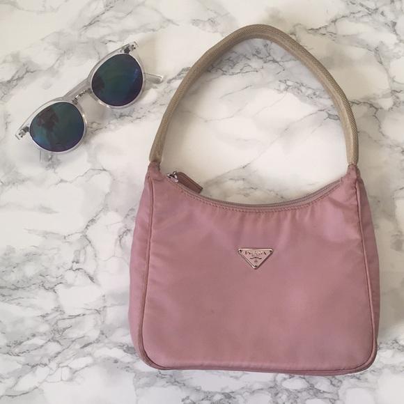 8a7679685ece Prada Small Light Pink Handbag. M 5ad4966e45b30c2e6f4bcd16